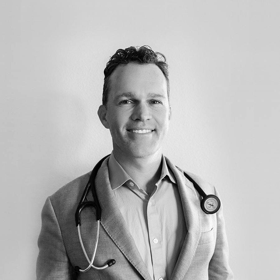 Dr. Zach Bush a Covid halálozások valódi okáról
