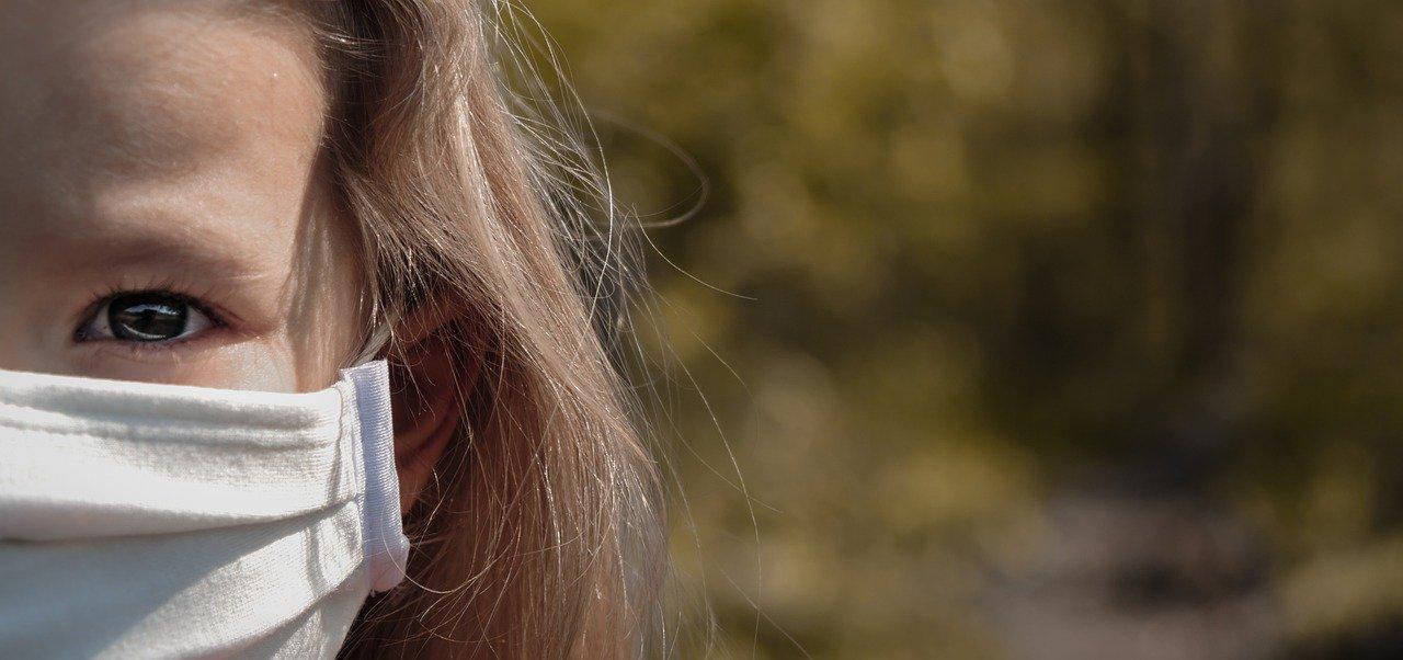 A maszk árt a gyerekeknek: A szülők 68% -a riasztó pszichológiai és fizikai problémákról számol be