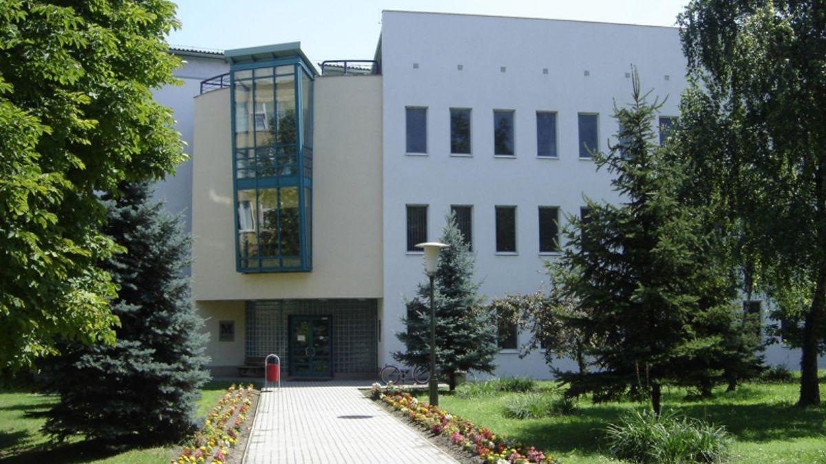 Információk a kalocsai kórház COVID osztályvezetője kollegiális meghívásáról
