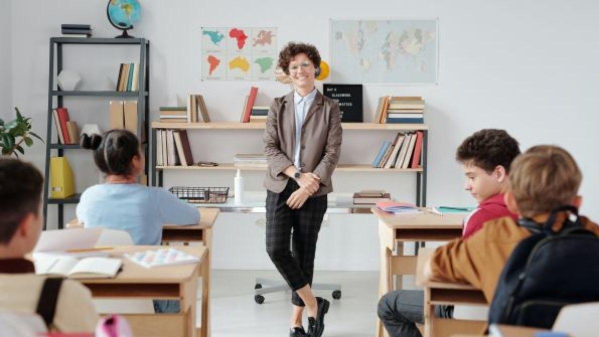 Felemelkednek-e a pedagógusaink?