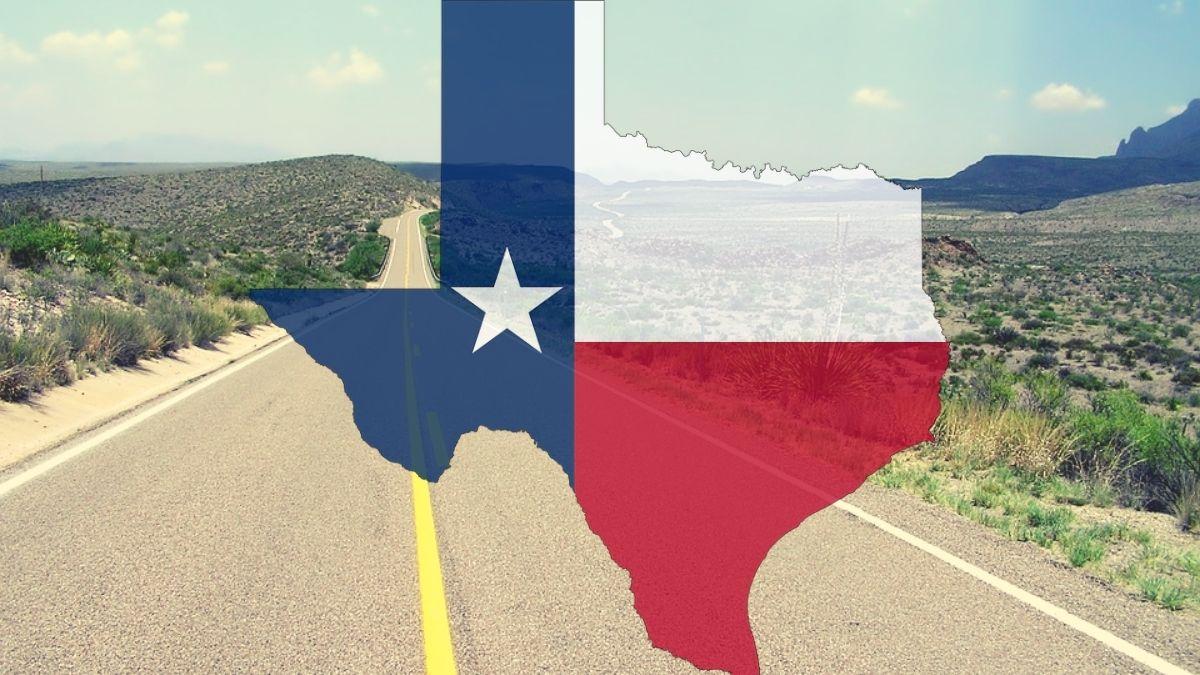 Texas teljesen kinyitott