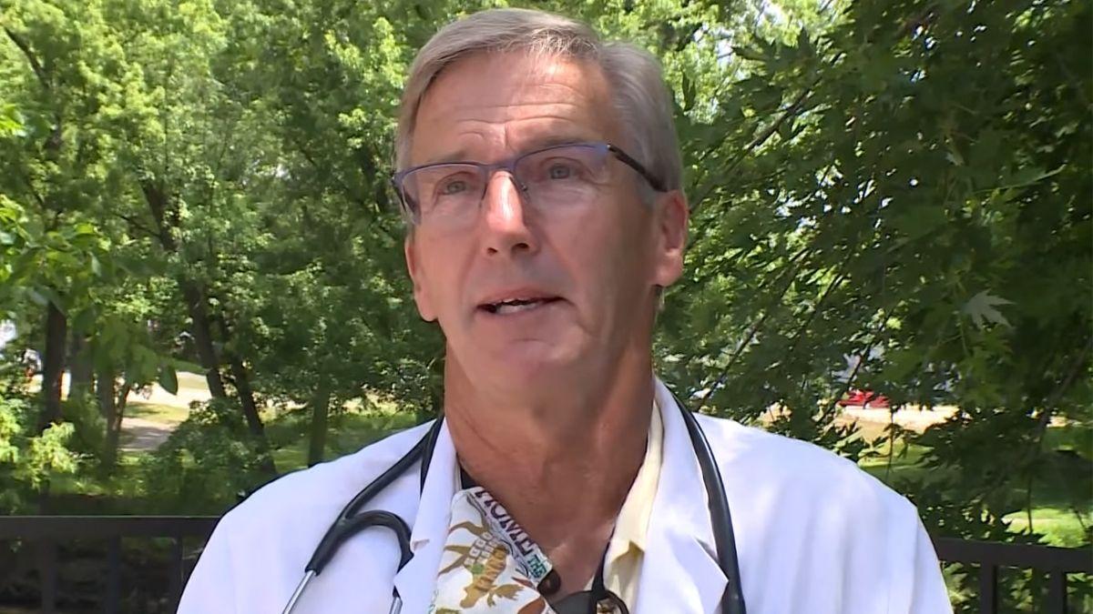 Dr. Scott Jensen: A vakcina által okozott mostani halálesetek még csak a jéghegy csúcsa