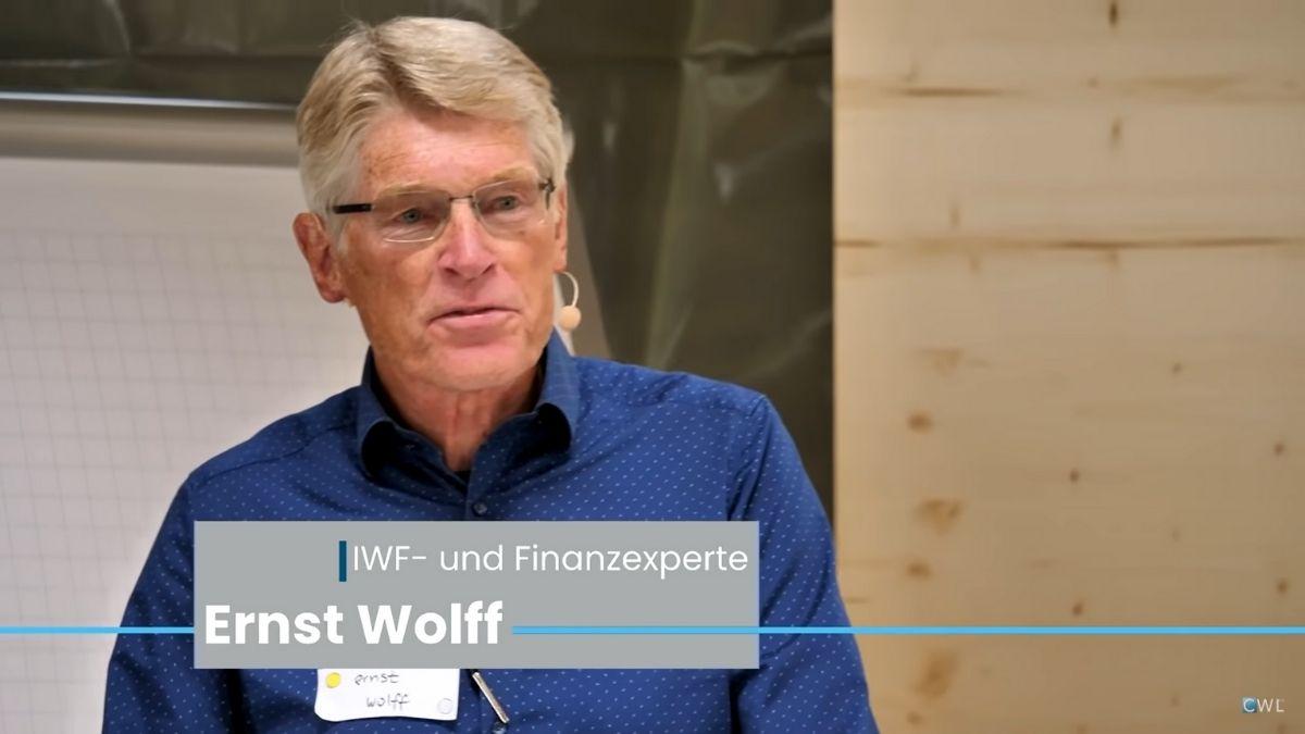 """Ernst Wolff: """"Miért is halmoznak csapást csapásra…"""""""